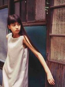 吉川ひなのの若い頃